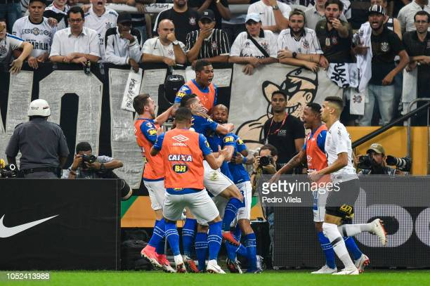 Players of Cruzeiro celebrates a scored goal during a match between Corinthians and Cruzeiro as part of Copa do Brasil 2018 Finals at Arena...