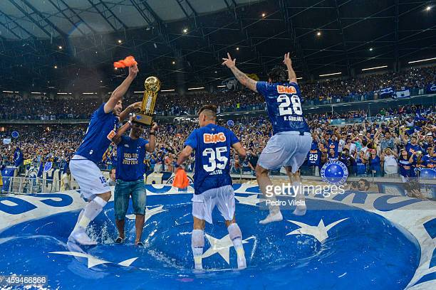 Players of Cruzeiro celebrates after the game against Goias during a match between Cruzeiro and Goias as part of Brasileirao Series A 2014 at...