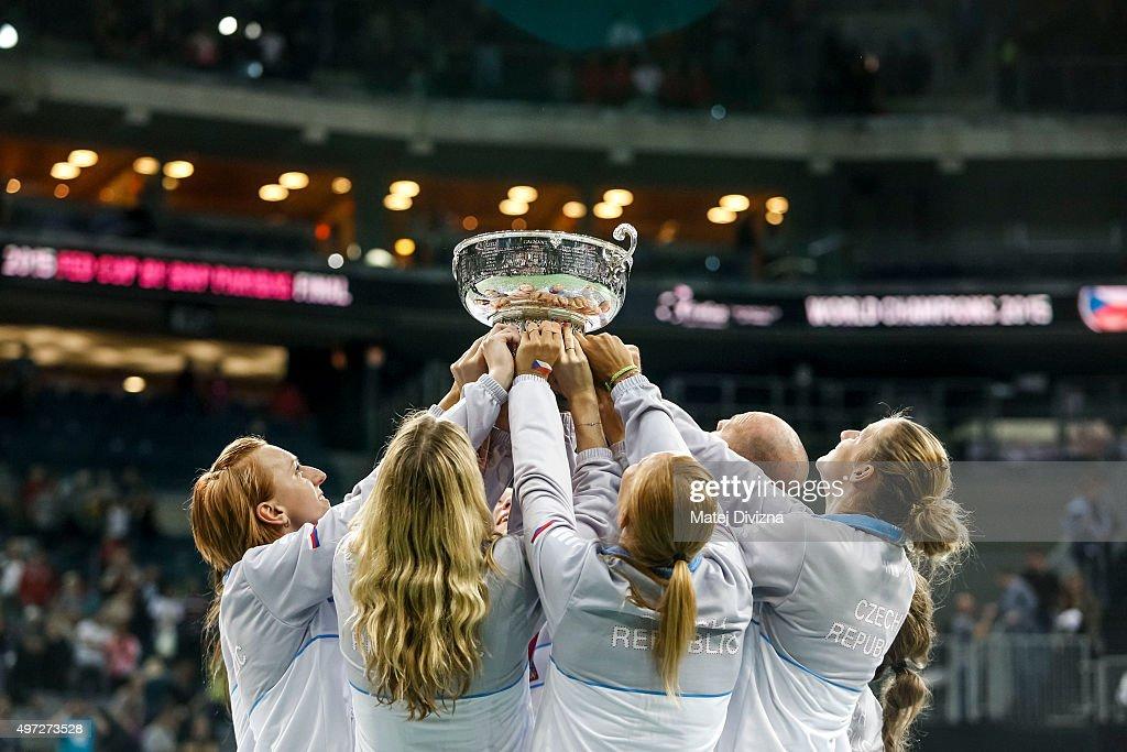 Czech Republic v Russia - Fed Cup Final : News Photo