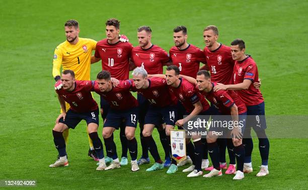 Players of Czech Republic pose for a team photograph prior to the UEFA Euro 2020 Championship Group D match between Czech Republic and England at...