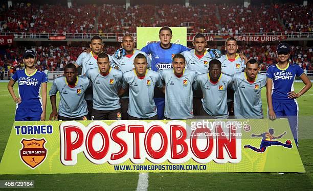 Players of Deportivo Pereira pose for a team photo prior a match between América de Cali and Deportivo Pereira as part of round 19 of Torneo Postobon...