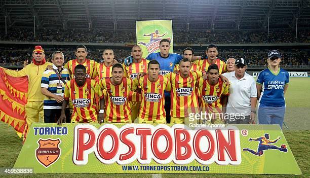 Players of Deportivo Pereira pose for a team photo prior a match between Deportivo Pereira and America de Cali as part of fifth round of quadrangular...