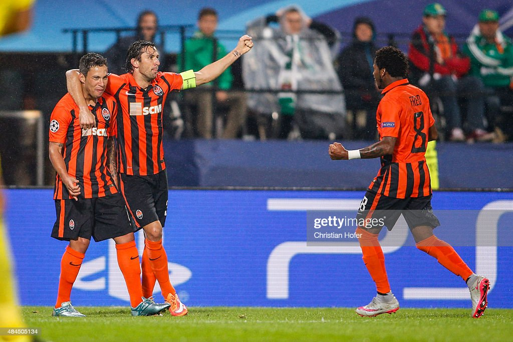 Players of Donetsk celebrate after scoring during the UEFA Champions League: Qualifying Round Play Off First Leg match between SK Rapid Vienna and FC Shakhtar Donetsk on August 19, 2015 in Vienna, Austria.