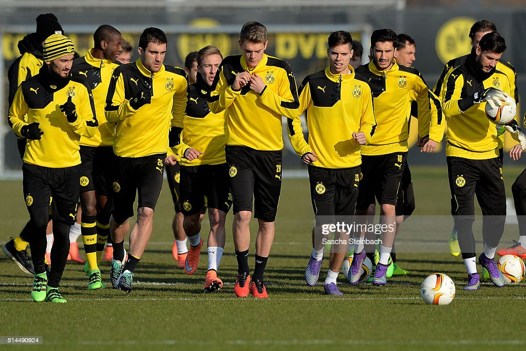 Players of Dortmund attend the Borussia Dortmund training session prior to the UEFA Europa League match between Borussia Dortmund and Tottenham Hotspur FC at Signal Iduna Park on March 9, 2016 in Dortmund, Germany.