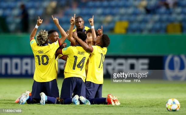 Players of Ecuador celebrate their opening goal during the FIFA U17 World Cup Brazil 2019 Group B match between Ecuador and Australia at Estadio...