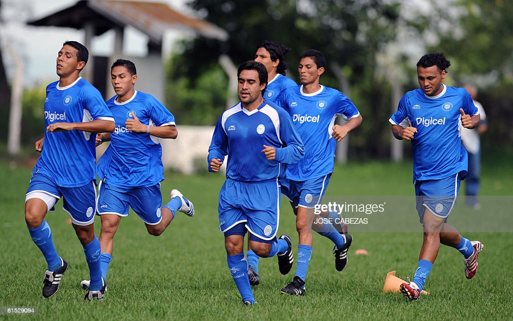 79f8702632f Players of El Salvador national football team participate in a ...