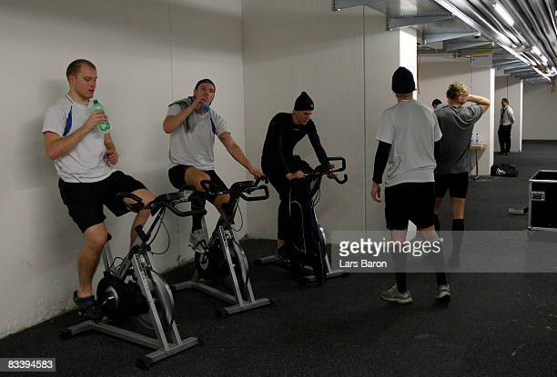 Players of Espoo cool down in the locker room after the IIHF Champions Hockey League match between SC Bern and Espoo Blues at the PostFinance Arena...
