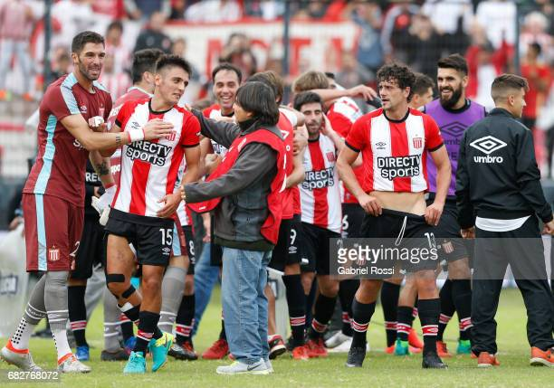 Players of Estudiantes celebrate after wining the match between Estudiantes and Gimnasia y Esgrima La Plata as part of Torneo Primera Division...
