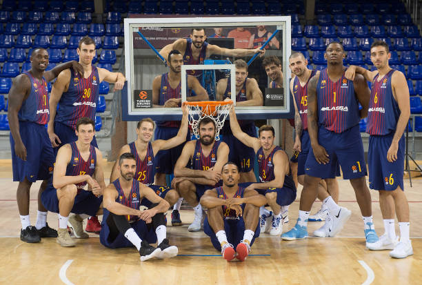 Fc barcelona lassa 2016 2017 media day turkish airlines for Puerta 0 palau blaugrana
