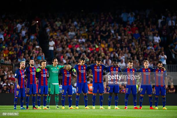 Players of FC Barcelona observe a minute of silence in memory of former President of FIFA Joao Havelange before the Spanish Super Cup Final second...