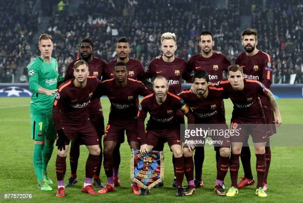 Players of FC Barcelona pose for a photo ahead of the UEFA Champions League group D football match between FC Juventus and FC Barcelona at the...