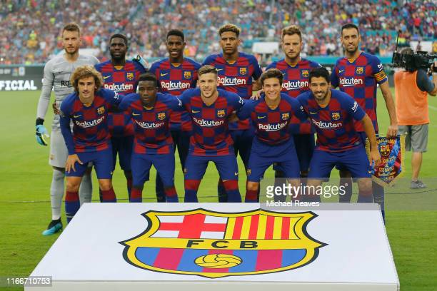 Players of FC Barcelona pose for a team photo prior to the game against SSC Napoli during a preseason friendly match at Hard Rock Stadium on August...