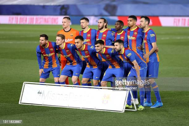 Players of FC Barcelona pose for a team photo prior to the La Liga Santander match between Real Madrid and FC Barcelona at Estadio Alfredo Di Stefano...