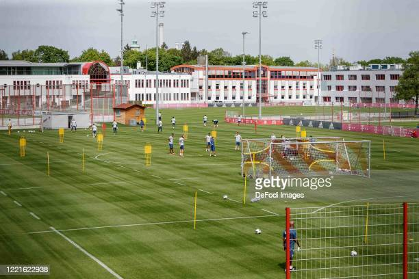 Players of FC Bayern Muenchen look on during the FC Bayern Muenchen Training Session on April 28 2020 in Muenchen Germany