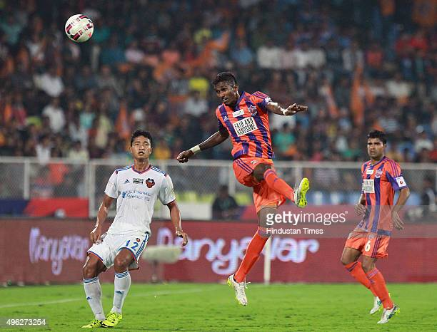 Players of FC Goa and FC Pune City in action during the Hero Indian Super League match at Shiv Chhatrapati Sports Complex on November 8 2015 in Pune...