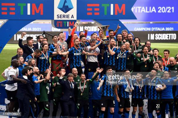 Players of FC Internazionale celebrate with the Scudetto trophy during the award ceremony after the Serie A football match between FC Internazionale...