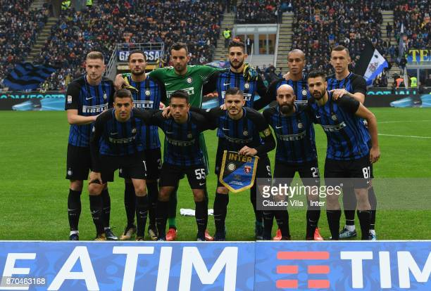 Players of FC Internazionale line up prior to the Serie A match between FC Internazionale and Torino FC at Stadio Giuseppe Meazza on November 5 2017...