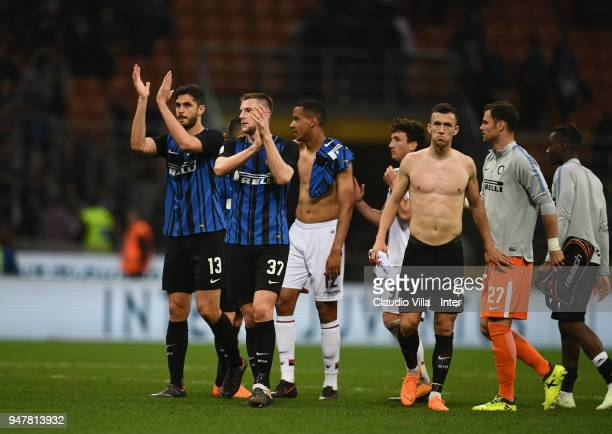 Players of FC Internazonale celebrate the win at the end of the serie A match between FC Internazionale and Cagliari Calcio at Stadio Giuseppe Meazza...