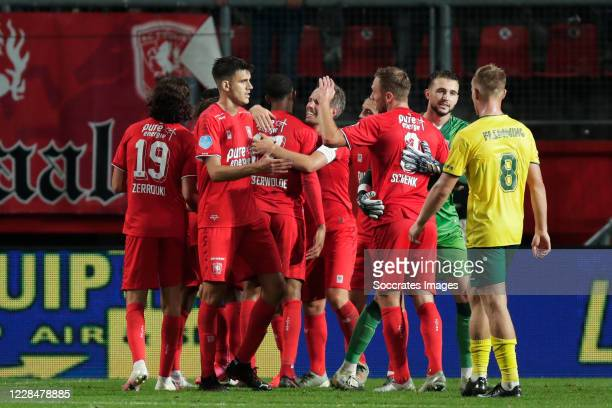 Players of FC Twente celebrates the victory during the Dutch Eredivisie match between Fc Twente v Fortuna Sittard at the De Grolsch Veste on...