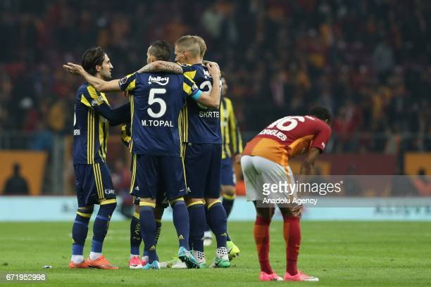 Players of Fenerbahce celebrates after scoring a goal during the Turkish Spor Toto Super Lig football match between Galatasaray and Fenerbahce at...