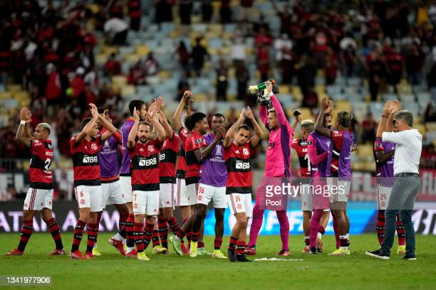 Players of Flamengo acknowledge the fans after winning a semi final first leg match between Flamengo and Barcelona SC as part of Copa CONMEBOL...
