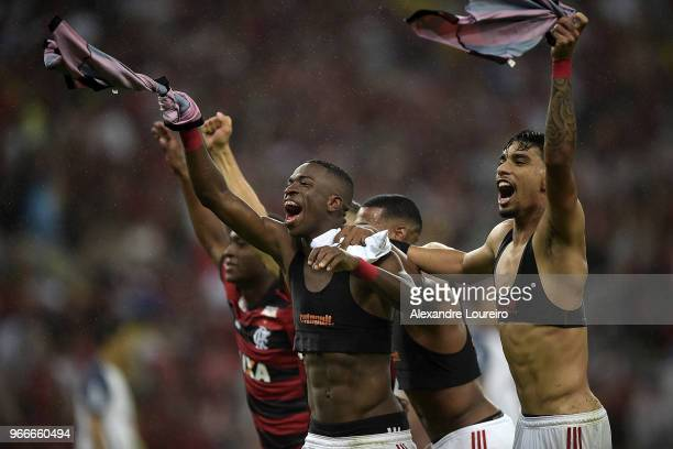 Players of Flamengo celebrates the victory after the match between Flamengo and Corinthians as part of Brasileirao Series A 2018 at Maracana Stadium...