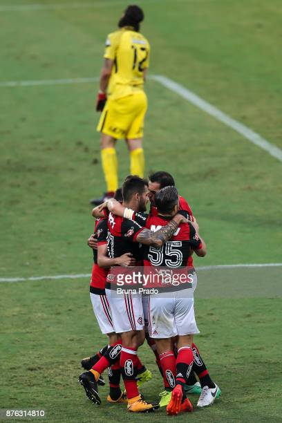 Players of Flamengo during the Brasileirao Series A 2017 match between Flamengo and Corinthians at Ilha do Urubu Stadium on November 19 2017 in Rio...