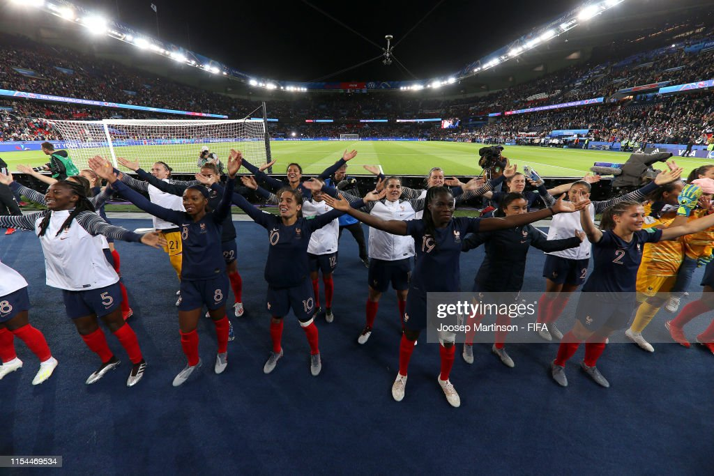 France v Korea Republic: Group A - 2019 FIFA Women's World Cup France : Photo d'actualité