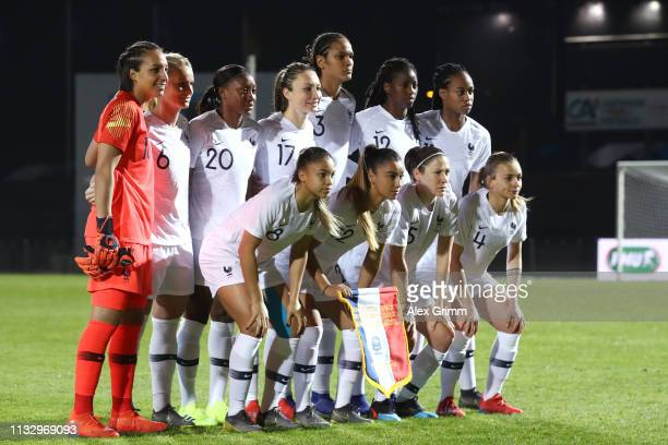 Players of France pose for a team photo prior to the Women's International Friendly match between France Women and Germany Women at Stade FrancisLe...