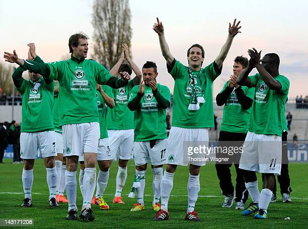 Players of Fuerth celebrates after the Second Bundesliga match between FSV Frankfurt and SpVgg Greuther Fuerth on April 20 2012 in Frankfurt am Main...