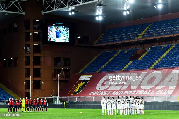 Players of Genoa and Juventus pay honour to former Italys player Paolo Rossi, passed away, before the Serie A match between Genoa CFC and Juventus Fc...