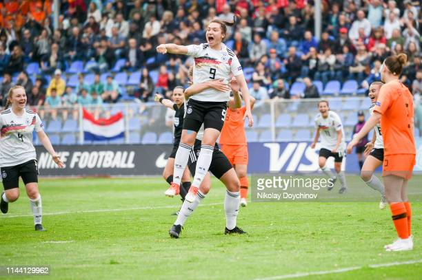 Players of Germany celebrate the goal of Sophie Weidauer during the 2019 UEFA Women's Under17 EURO final match between Netherlands and Germany at...