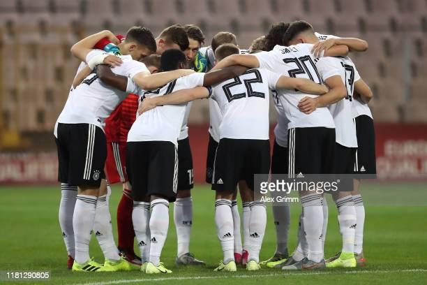 Players of Germany huddle prior to the UEFA U21 Championship Qualifying match between Bosnia and Herzegovina U21 and Germany U21 at Bilino Polje ion...