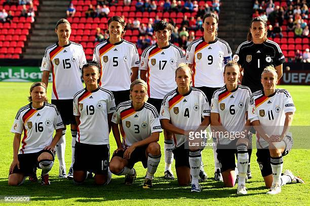 Players of Germany pose during the UEFA Women's Euro 2009 group B preliminary match between Germany and Iceland at Ratinan stadium on August 30 2009...