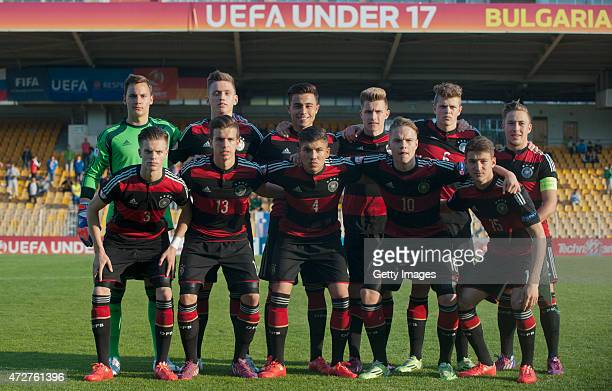 Players of Germany U17 football team pose for a photo prior their match against Slovenia U17 during their UEFA European Under17 Championship Final...