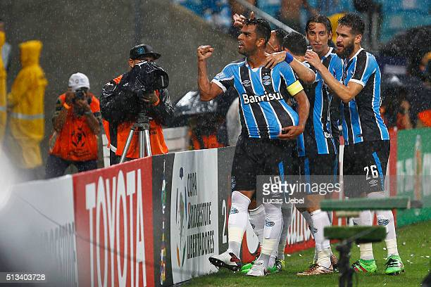 Players of Gremio celebrate their first during the match Gremio v Liga de Quito as part of Copa Bridgestone Libertadores 2016 at Arena do Gremio on...