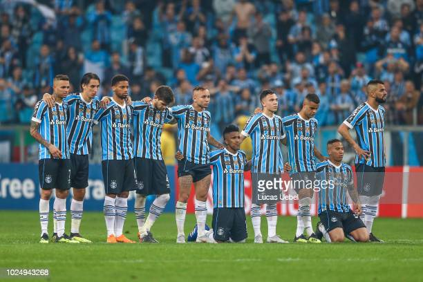 Players of Gremio during the match between Gremio and Estudiantes part of Copa Conmebol Libertadores 2018 at Arena do Gremio on August 28 in Porto...