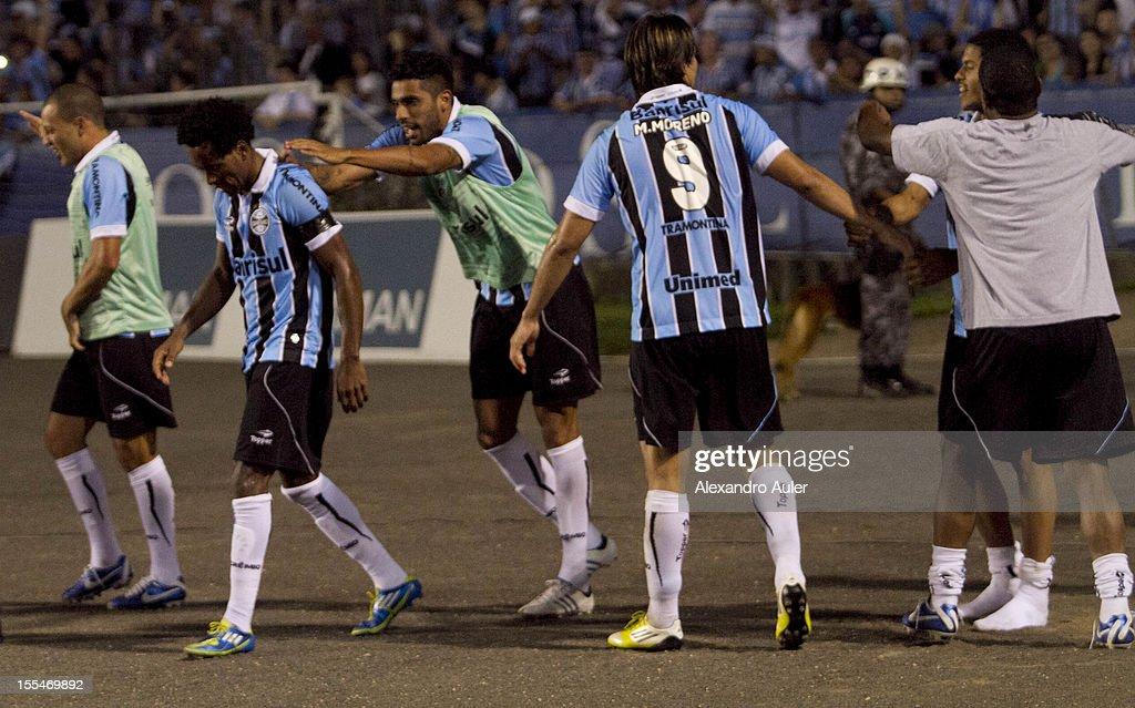 Gremio v Ponte Preta - Brazilian Serie A