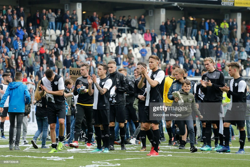 players of Heracles Almelo during the Dutch Eredivisie match between Heracles Almelo v FC Utrecht at the Polman Stadium on April 29, 2018 in Almelo Netherlands