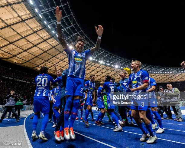 Players of Hertha BSC celebrate after winning the Bundesliga match between Hertha BSC and FC Bayern Muenchen at Olympiastadion on September 28 2018...