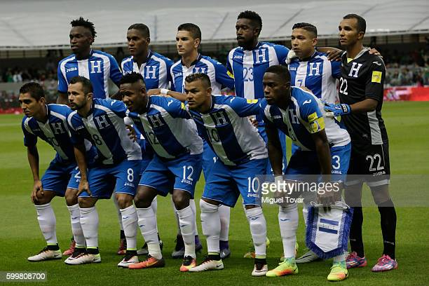 Players of Honduras pose for pictures prior a match between Mexico and Honduras as part of FIFA 2018 World Cup Qualifiers at Azteca Stadium on...