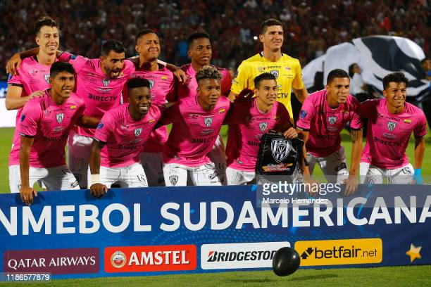 Players of Independiente del Valle pose for the team photo prior to the final of Copa CONMEBOL Sudamericana 2019 between Colon and Independiente del...