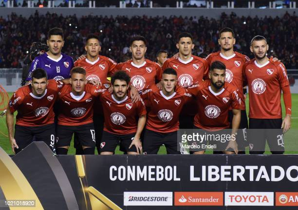 Players of Independiente pose prior a round of sixteen match between Independiente and Santos as part of Copa CONMEBOL Libertadores 2018 at...