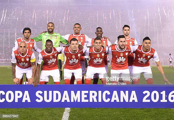 Players of Independiente Santa Fe pose for a photo prior a second leg match between River Plate and Independiente Santa Fe as part of Recopa...