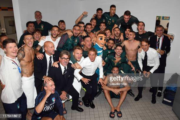 Players of Italy celebrate at the end of the UEFA Euro 2020 qualifier between Italy and Greece on October 12, 2019 in Rome, Italy.