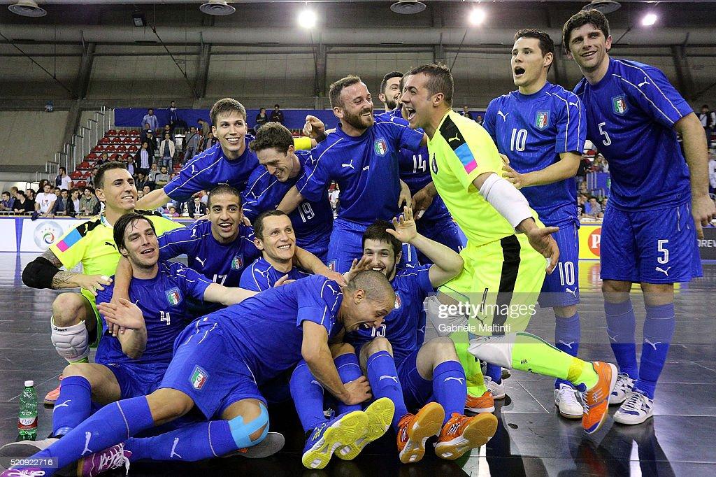 Italy v Hungary - FIFA Futsal Playoff Match : News Photo