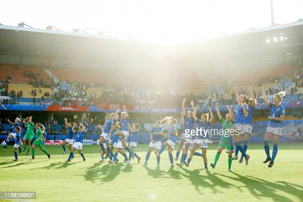 Players of Italy celebrate the victory after the 2019 FIFA Women's World Cup France Round Of 16 match between Italy and China at Stade de la Mosson...