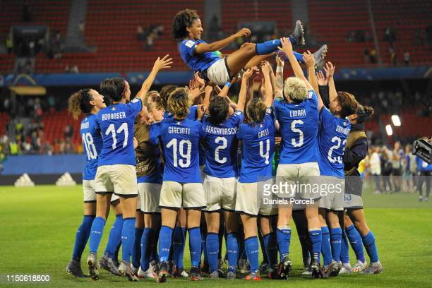 Players of Italy celebrate their Captain Sara Gama during the 2019 FIFA Women's World Cup France group C match between Italy and Brazil at Stade du...