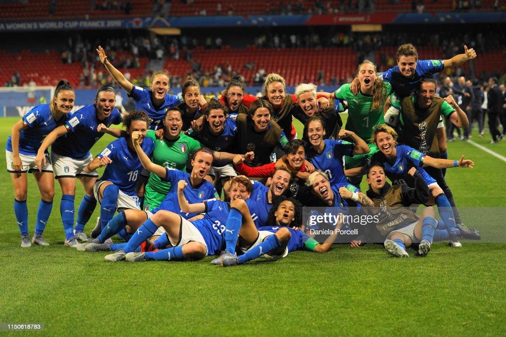 Italy v Brazil: Group C - 2019 FIFA Women's World Cup France : Foto jornalística