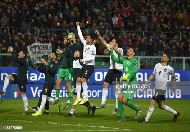 Players of Italy celebrates the win at the end of the UEFA Euro 2020 Qualifier between Italy and Armenia on November 18 2019 in Palermo Italy